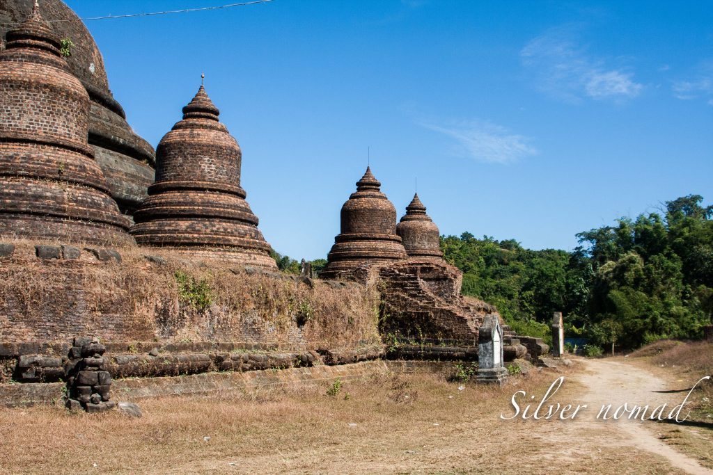 Stupas in concentric circles