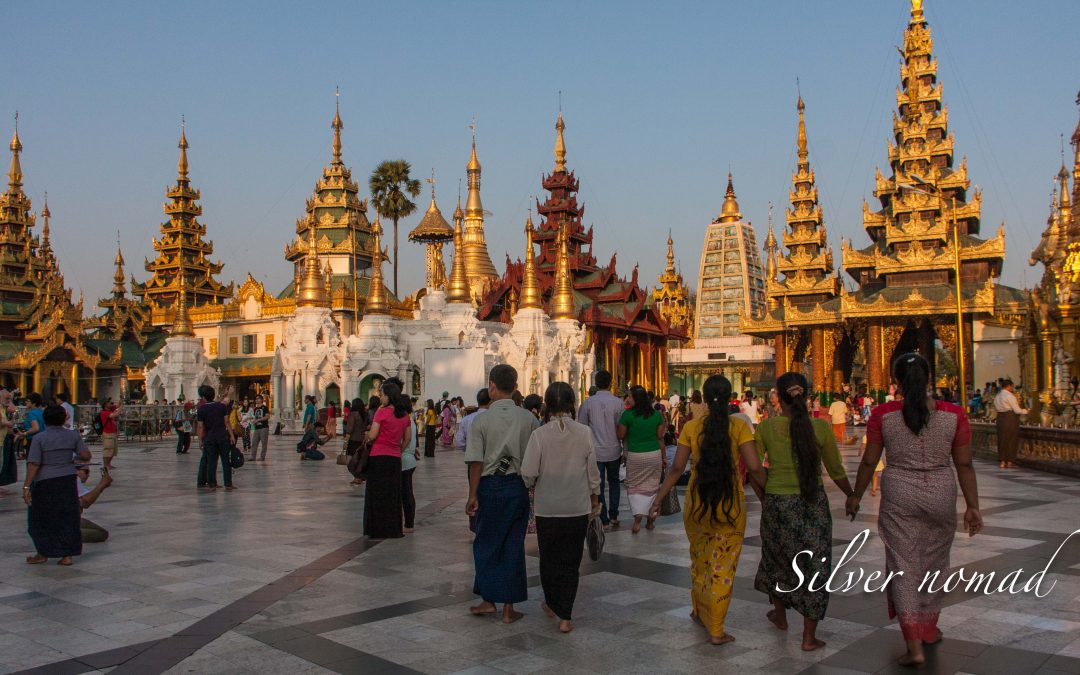 Shwedagon Pagoda – A beautiful winking wonder